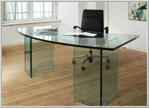 Table made of Tempered Glass