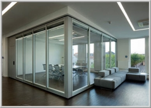 Glass Room with columnar frame