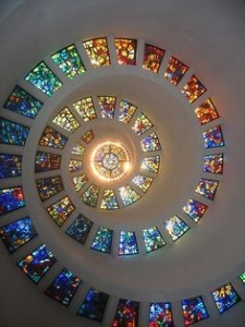 Spiral decoration of glass